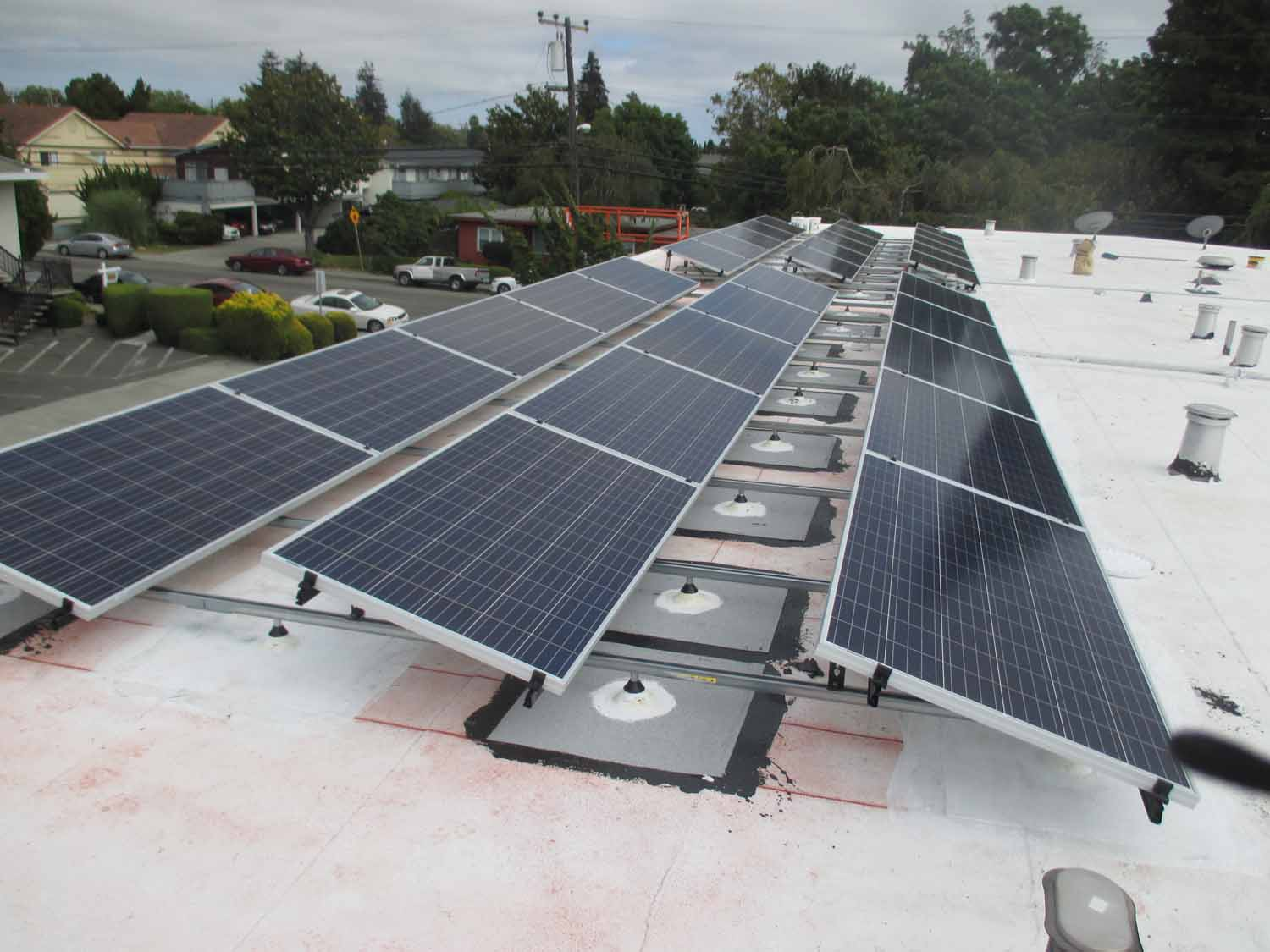 Newport Apartments - Clean Solar, Inc